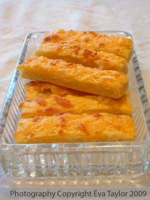Hungarian Cheese Sticks (Sajos Rud)