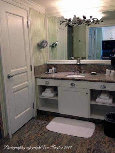 Bathroom1_4356
