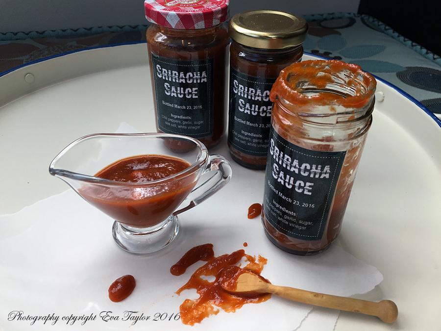 SrirachaSauce_8696