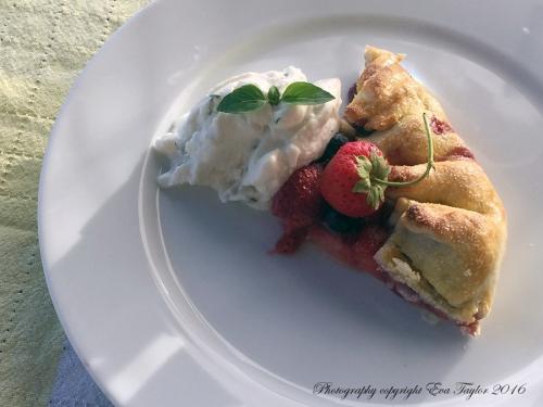 StrawberryBlueberryGalette4