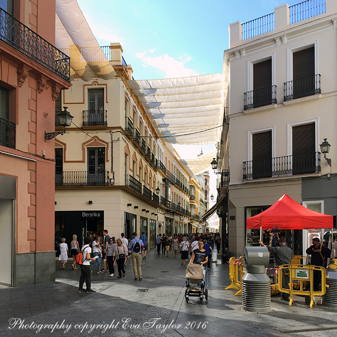 Many of the historic town streets have these sails in both Sevilla and Madrid.